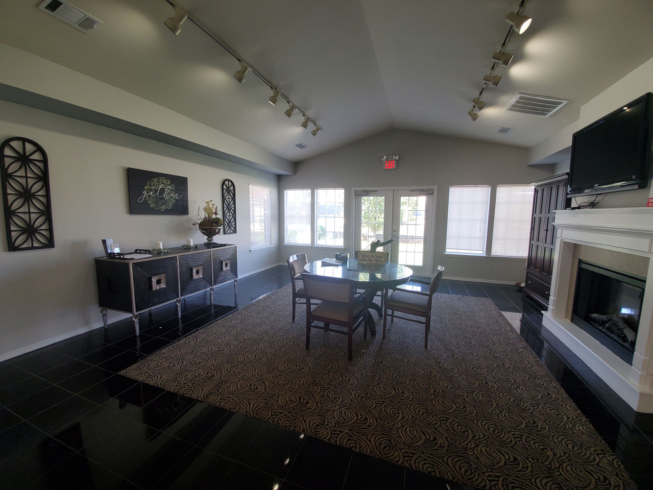 Leasing Office at the Oakmont Apartment Homes in Catoosa, OK