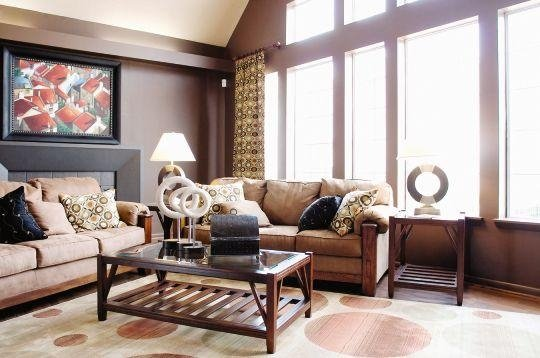 Sophisticated Clubhouse at the Oak Pointe Apartment Homes in Simpsonville , SC
