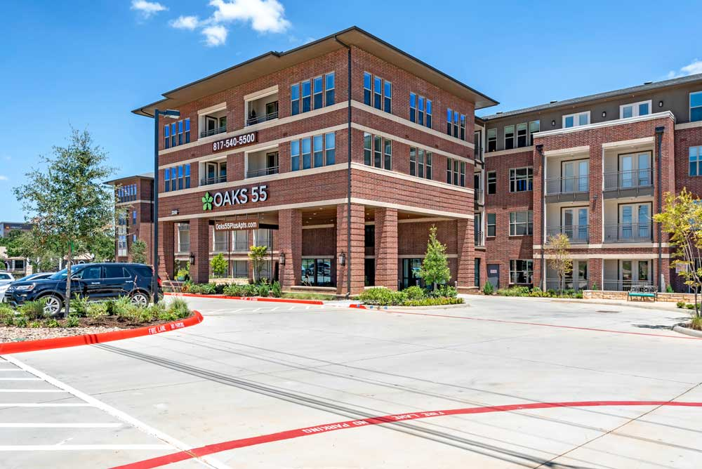 Apartments for Rent at Oaks 55 Apartments in Euless, TX