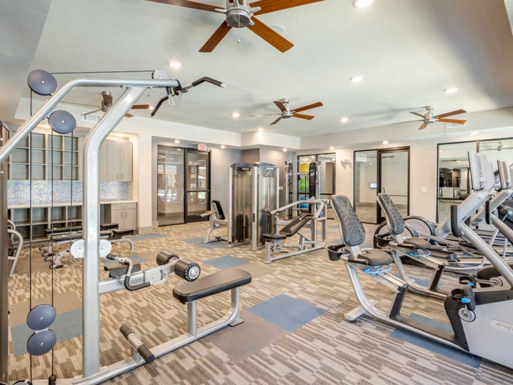Fitness Center at Oaks 55 Apartments in Euless, TX