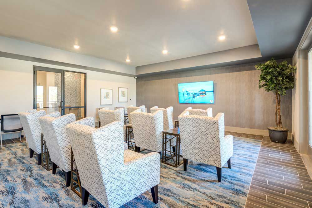 Business Amenities at Oaks 55 Apartments in Euless, TX