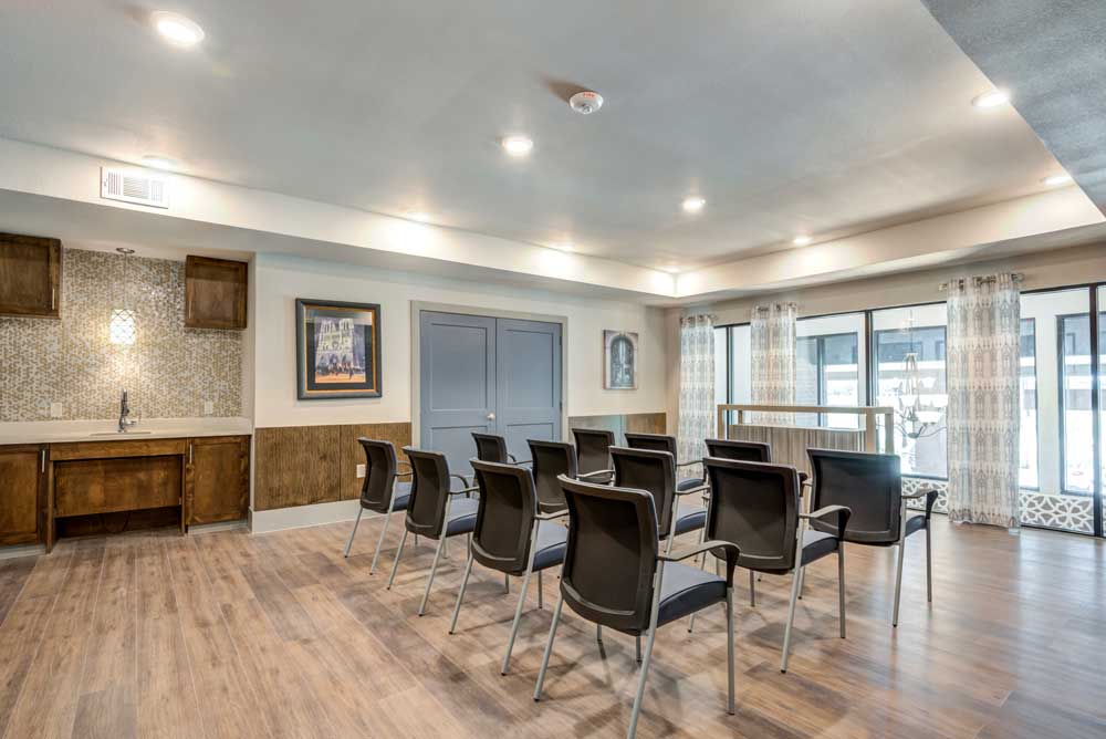Large Gathering Rooms at Oaks 55 Apartments in Euless, TX