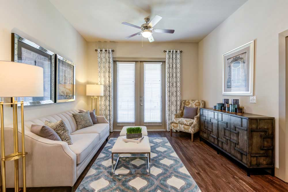 Living Area at Oaks 55 Apartments in Euless, TX