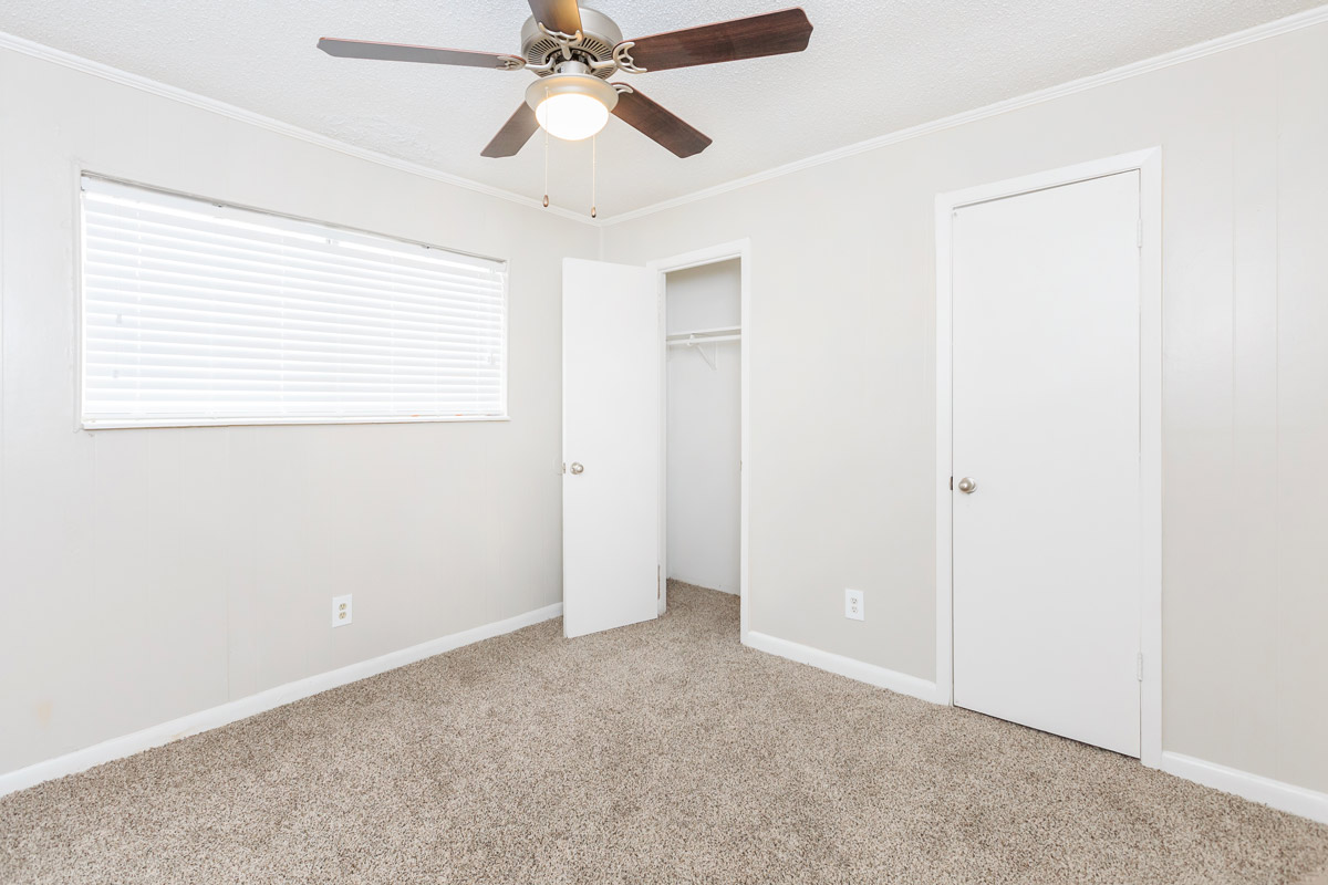 Spacious Closet at Oaks at Mustang Apartments in Alvin, TX
