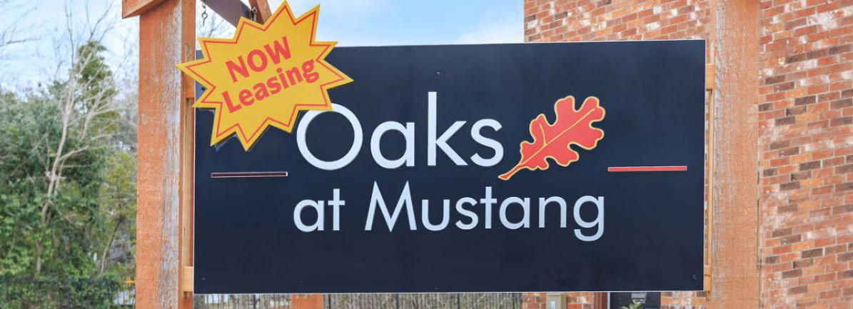Apartments for Lease at Oaks at Mustang Apartments in Alvin, TX