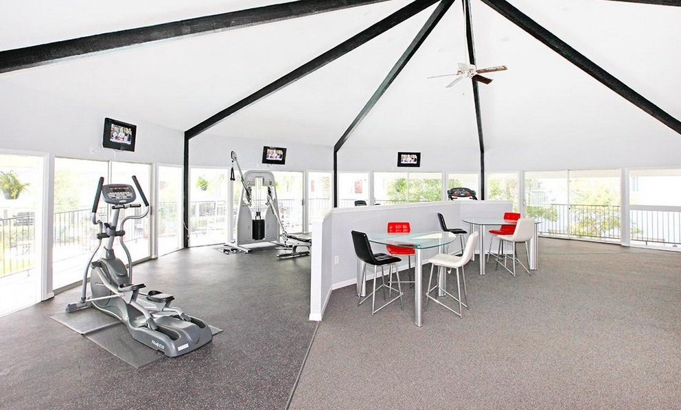 Fitness Center at Ocean Drive Estates Apartments in Corpus Christi, TX