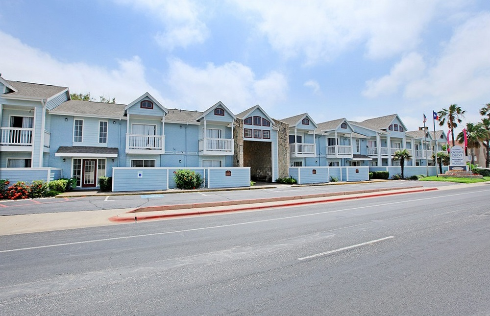 Beach-Style Apartments at Ocean Drive Estates Apartments in Corpus Christi, TX