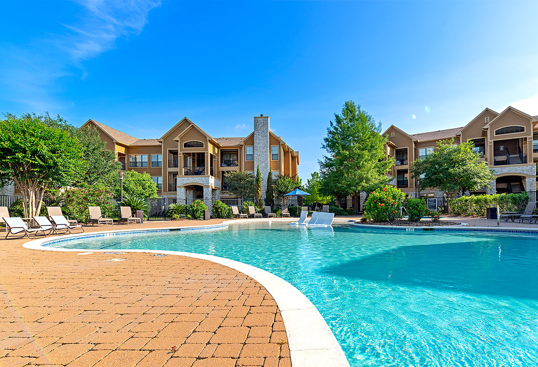 Sparkling Pool at Preserve at Old Dowlen Apartments in Beaumont, TX