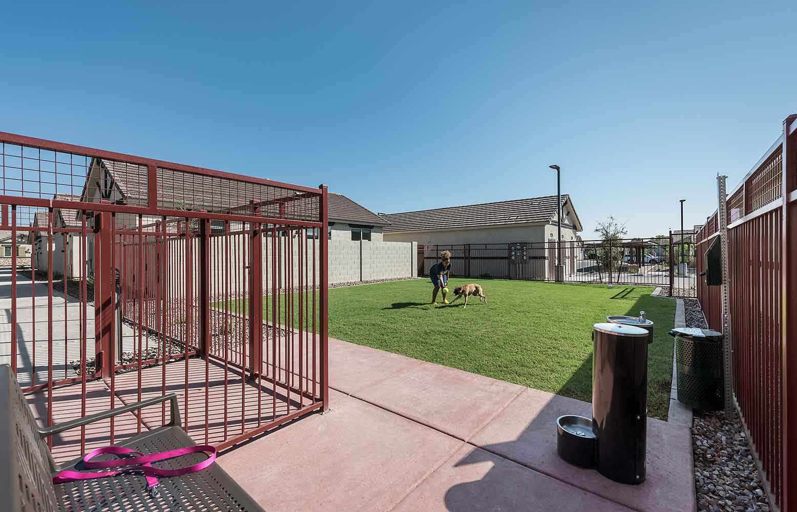 Premium Amenities at Olive Marketplace Apartments in Glendale, AZ