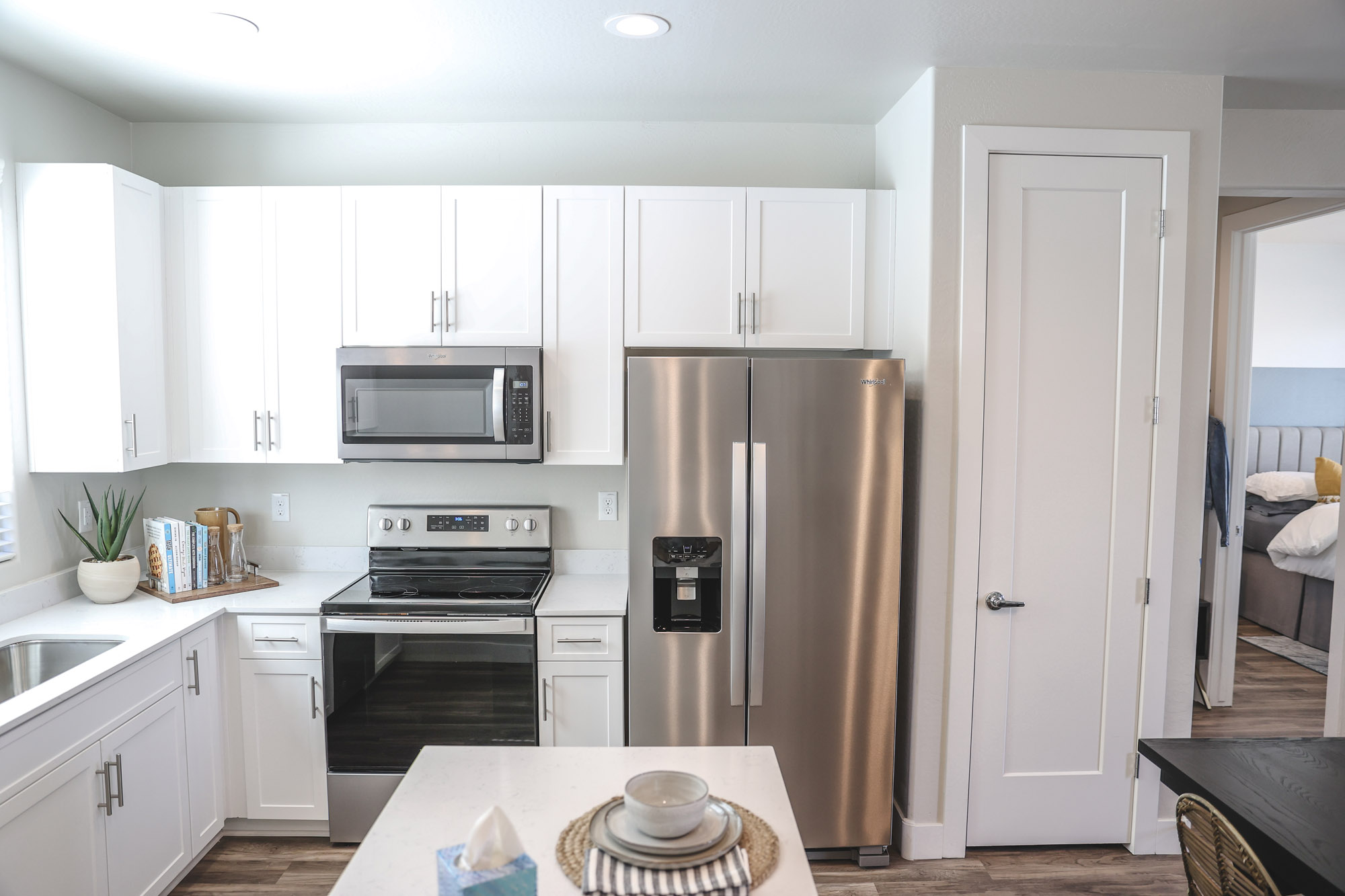 Built-in Microwave at Olive Marketplace Apartments in Glendale, AZ