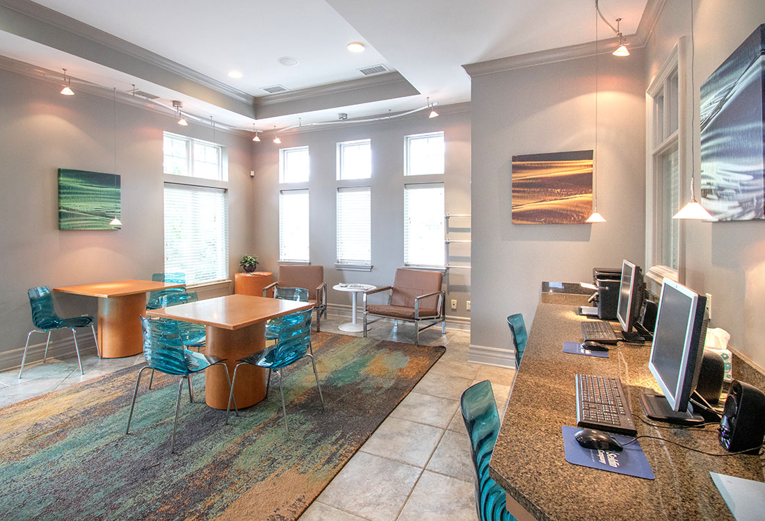Professional Business Center at Ontario Place Apartments in Omaha, NE