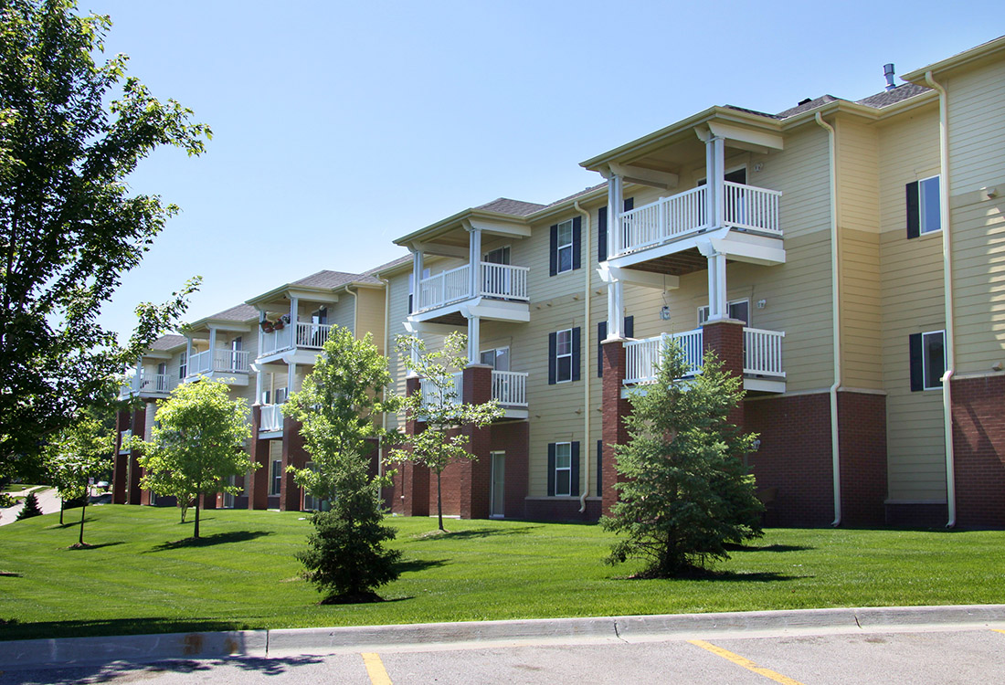 Effortless Parking at Ontario Place Apartments in Omaha, NE