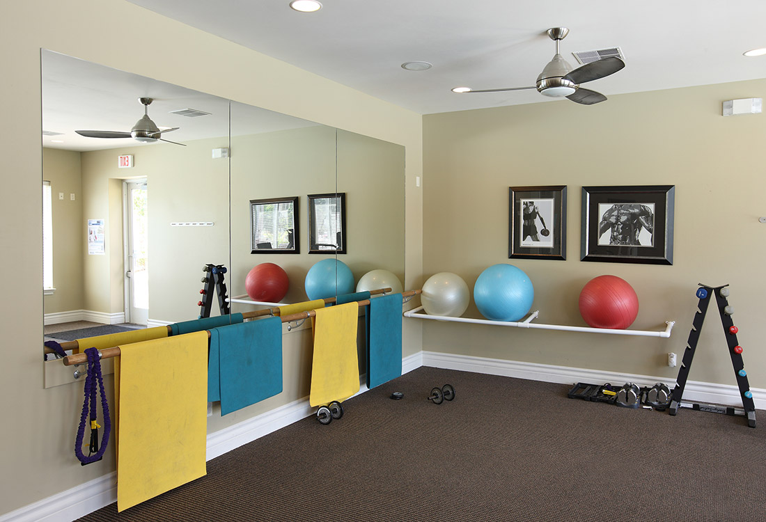 24-Hour Fitness Center at Ontario Place Apartments in Omaha, NE