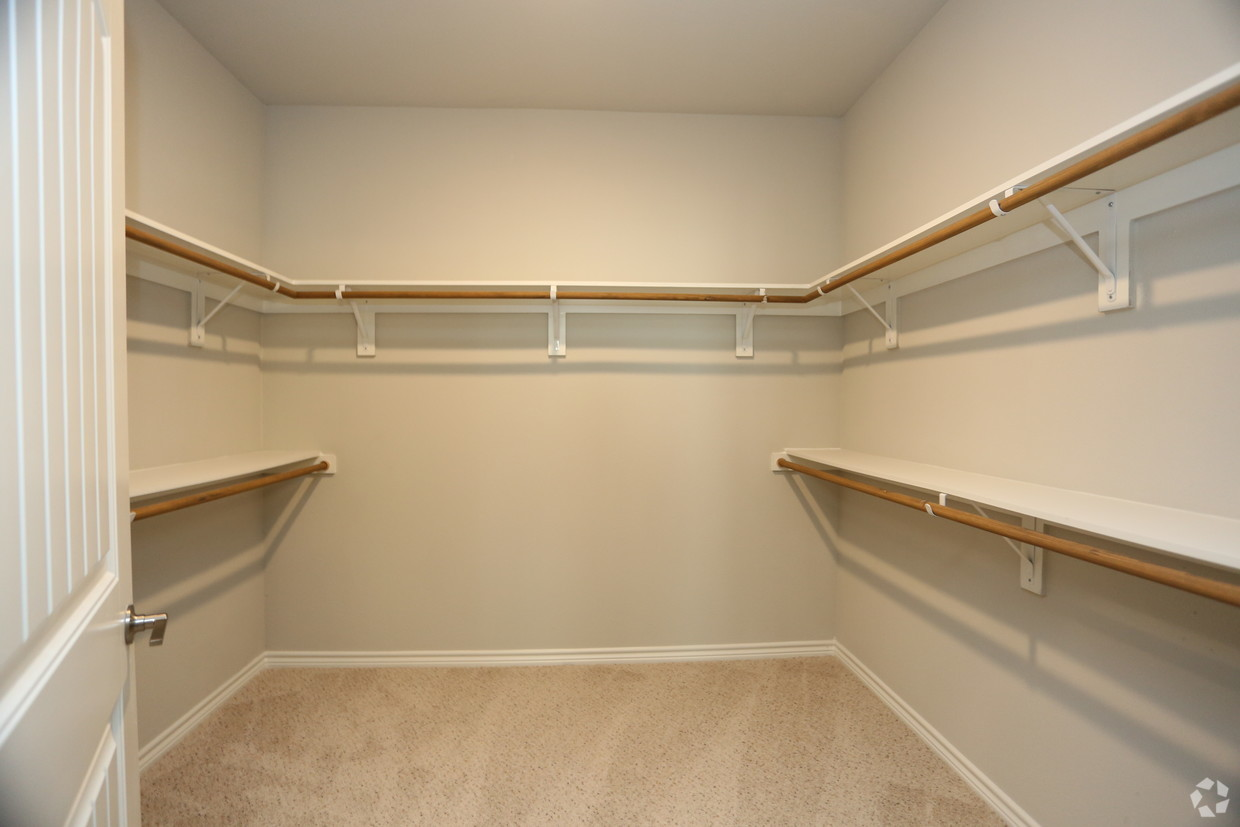 Spacious Walk-In Closets at Oxford at Medical Center Apartments in San Antonio, Texas