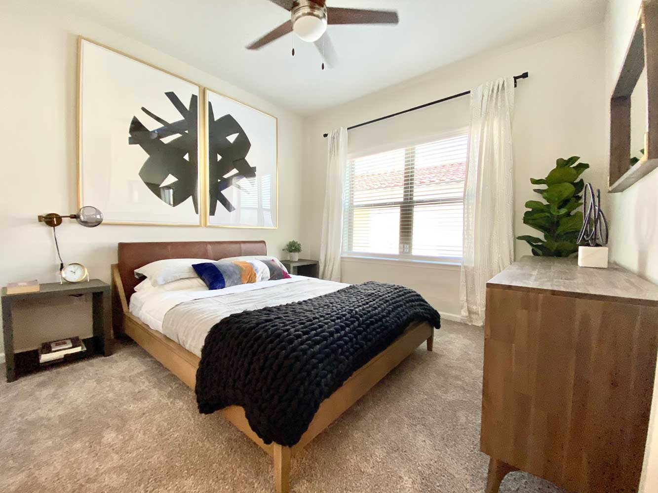 Room with Ceiling Fan at Oxford at Santa Clara Apartments in Pflugerville, Texas