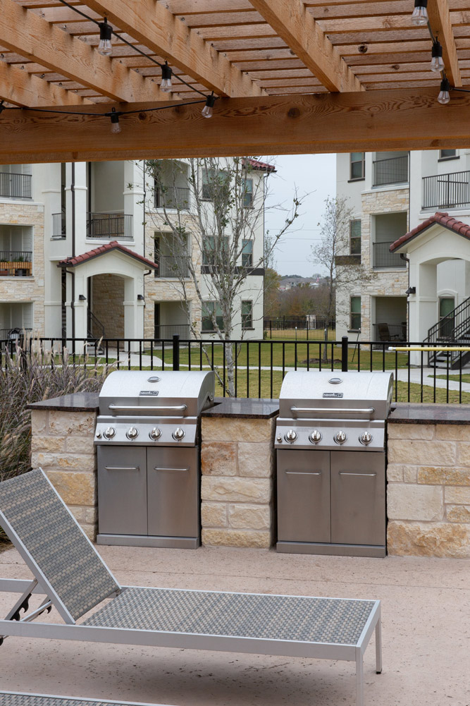 Grilling Station at Oxford at Santa Clara Apartments in Pflugerville, Texas