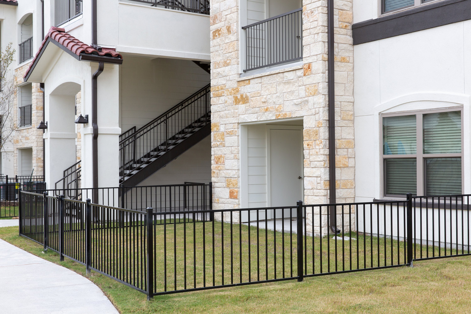Pet Yards at Oxford at Santa Clara Apartments in Pflugerville, Texas