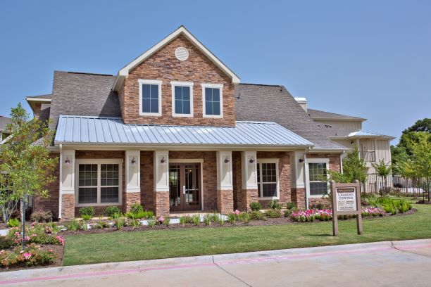 Professional Management Apartments at Oxford at the Ranch in Waller, Texas