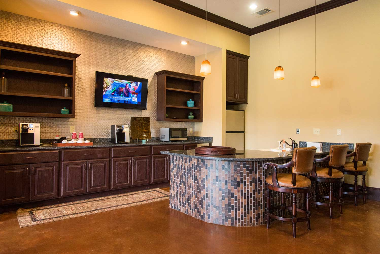 Family Friendly at the Oxford at Country Club Apartments in Baytown, TX