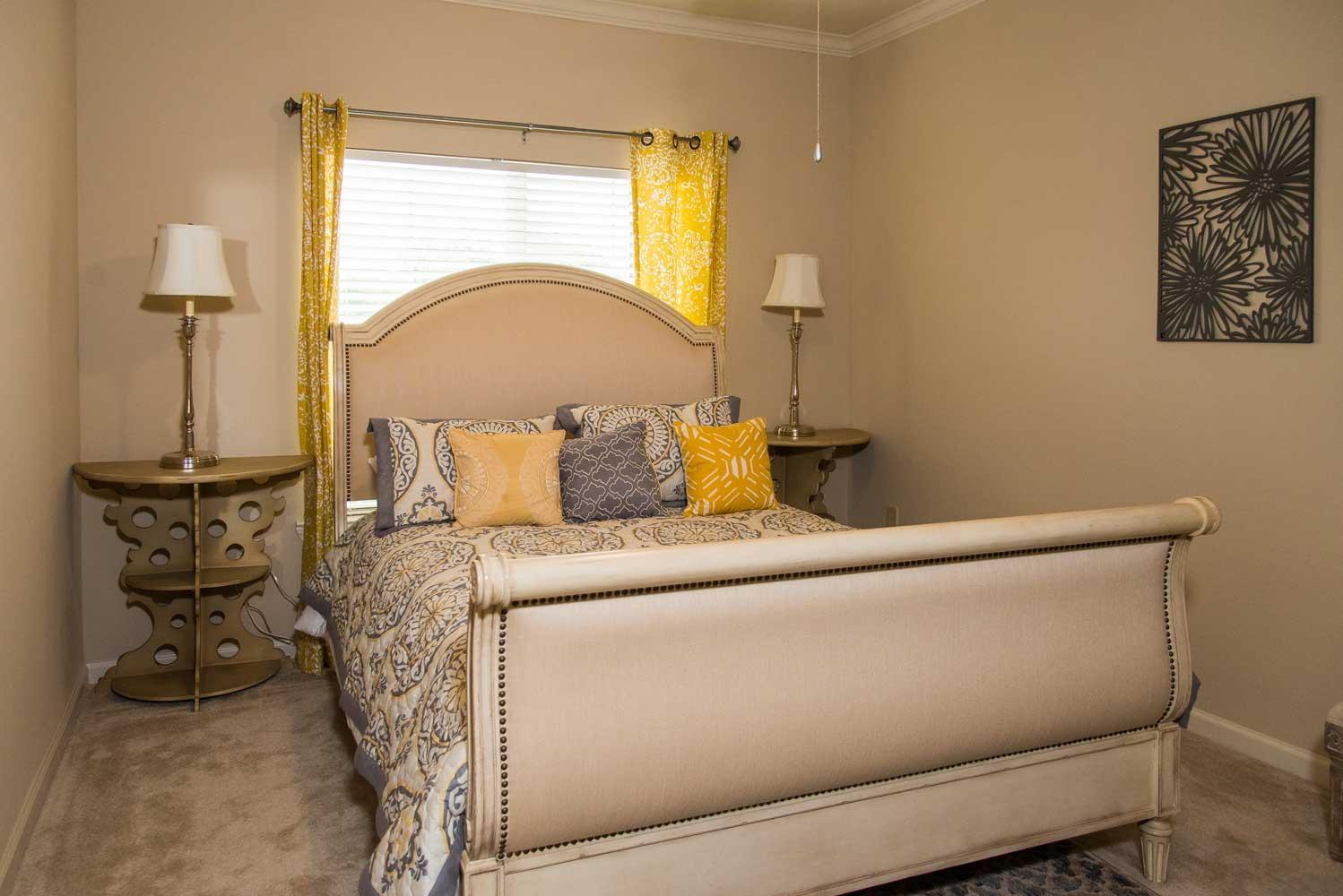 Large Bedroom at the Oxford at Country Club Apartments in Baytown, TX