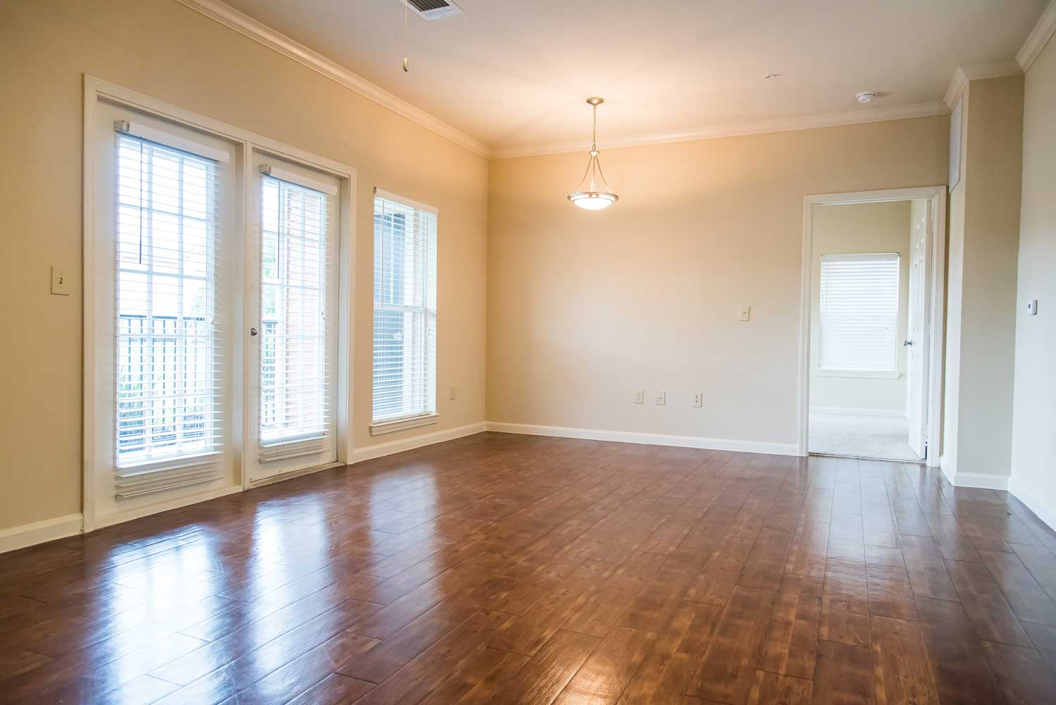 Spacious Floor Plan at the Oxford at Country Club Apartments in Baytown, TX