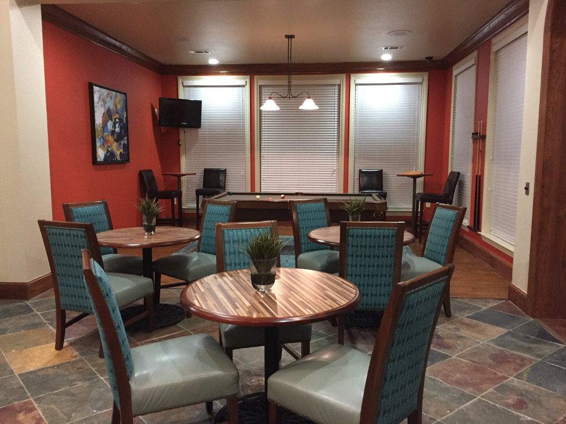 Game Room at the Oxford at Country Club Apartments in Baytown, TX