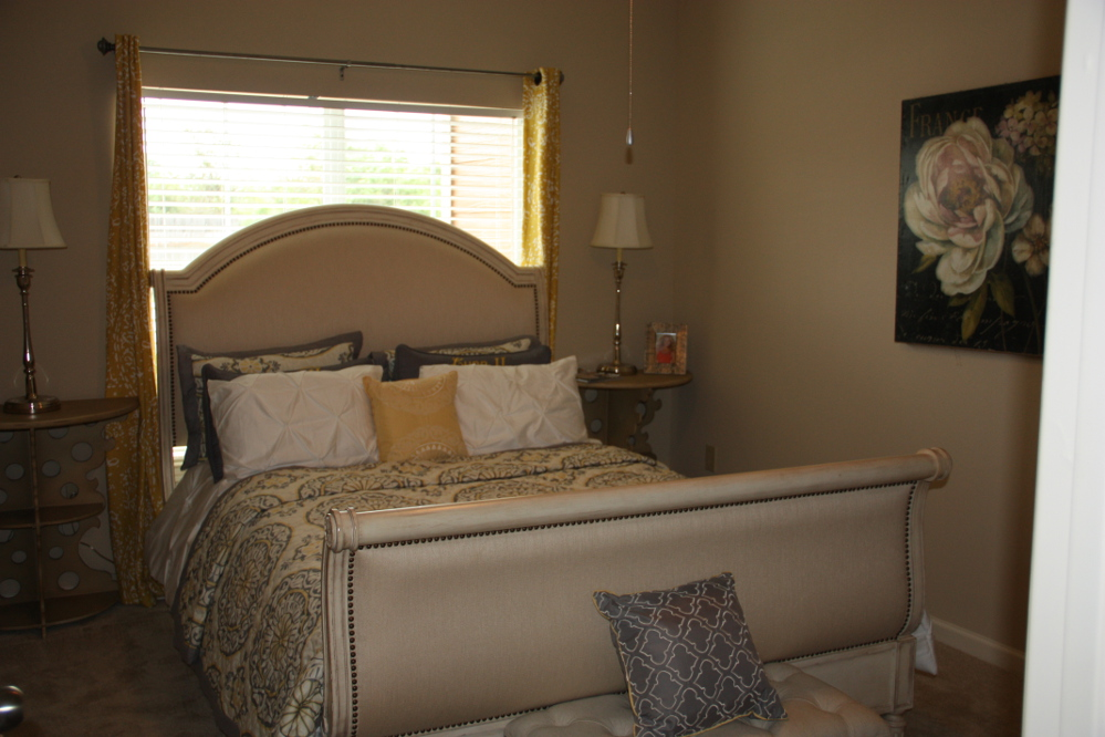 Spacious Bedrooms at the Oxford at Country Club Apartments in Baytown, TX