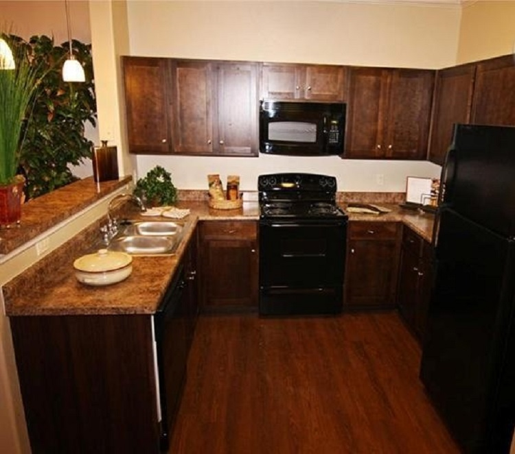 Kitchen at Oxford at Crossroads Centre Apartments in Waxahachie, TX
