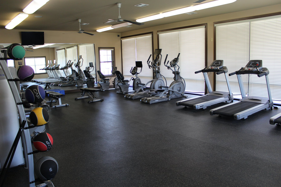 Fitness Center at Oxford at Crossroads Centre Apartments in Waxahachie, TX