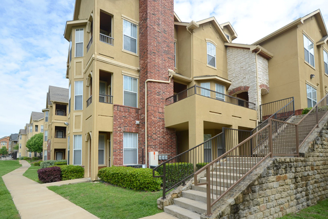 Exterior View at The Oxford at Iron Horse Apartments in North Richland Hills, TX
