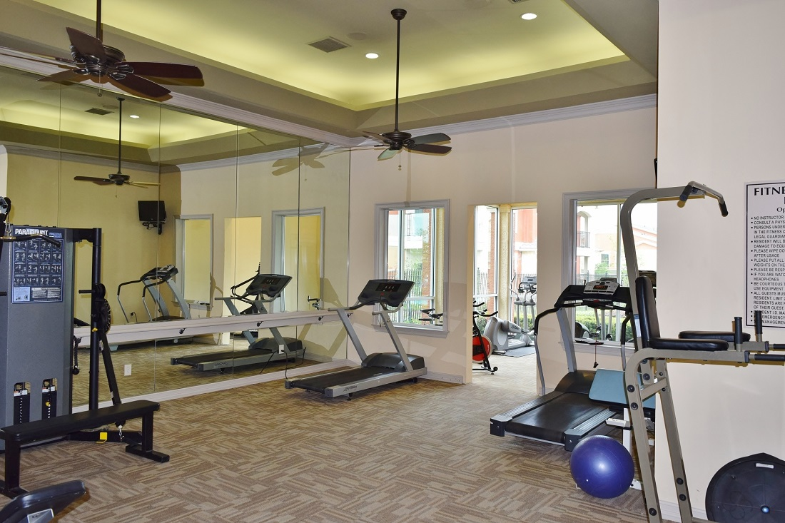 Fitness Center at Oxford at Lake Worth Apartments in Fort Worth, TX