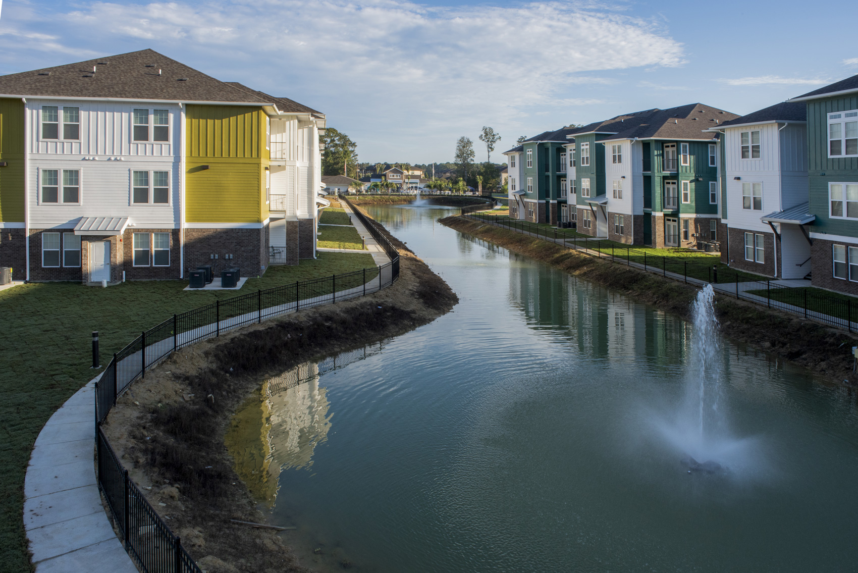 New Luxury Apartments at The Palms at Juban Lakes Apartments in Denham Springs, Louisiana