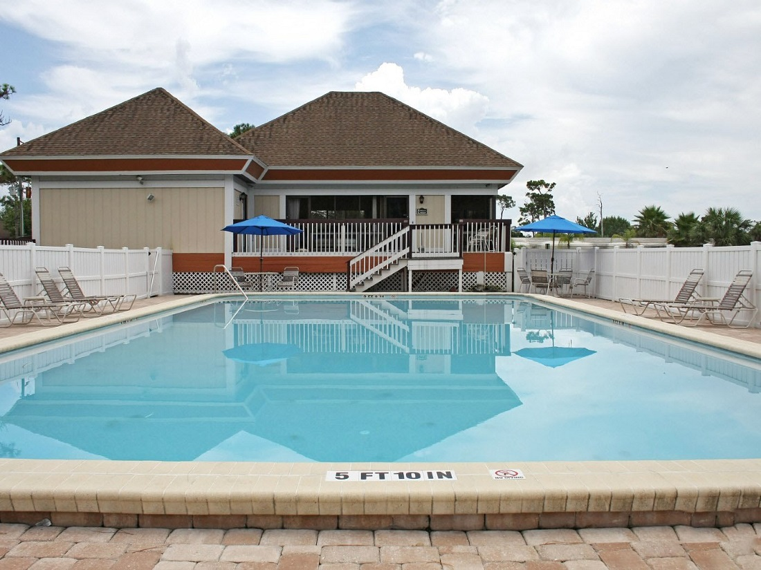 Outdoor Swimming Pool At The Park Chelsea Apartment Homes In Hudson FL