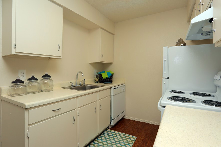Kitchen Area at The Park at Forest Oaks Apartments in Tulsa, OK