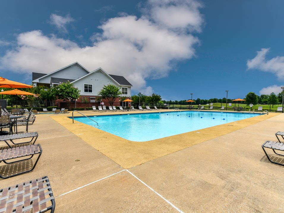 Sparkling Pool at The Park at Forest Hill Apartments in Memphis, Tennessee