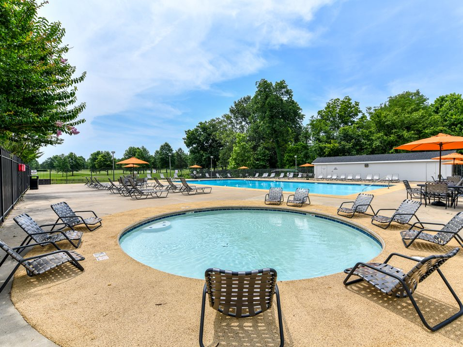 Wading Pool at The Park at Forest Hill Apartments in Memphis, Tennessee