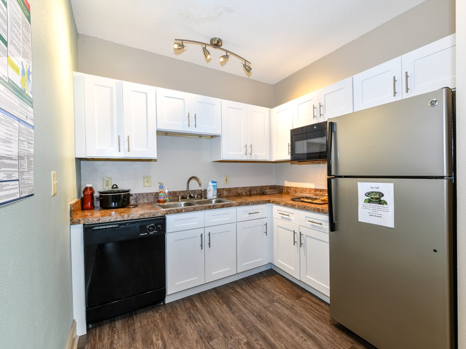 Fully Equipped Kitchen at The Park at Forest Hill Apartments in Memphis, Tennessee