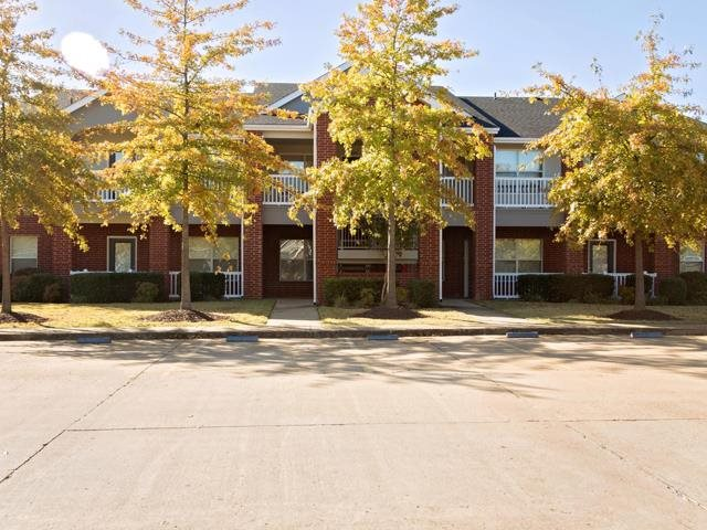 Effortless Parking at The Park at Forest Hill Apartments in Memphis, Tennessee