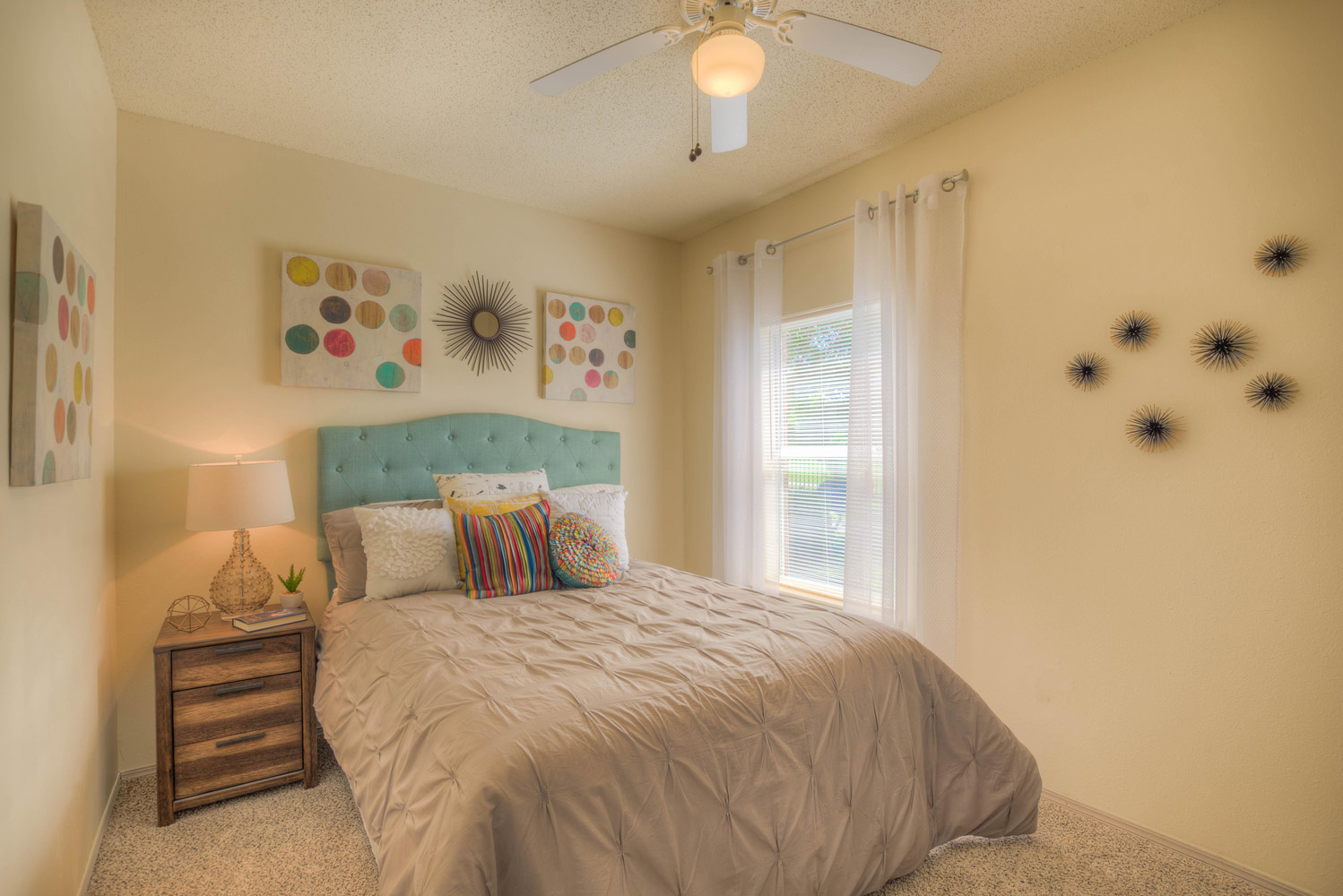 Bedrooms with Natural Light at The Park at Forest Hill Apartments in Memphis, Tennessee