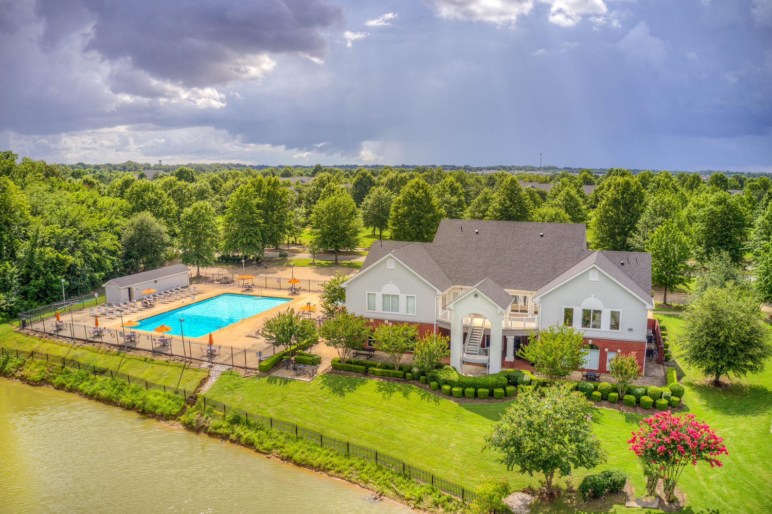 Lush Escape from the City at The Park at Forest Hill Apartments in Memphis, Tennessee