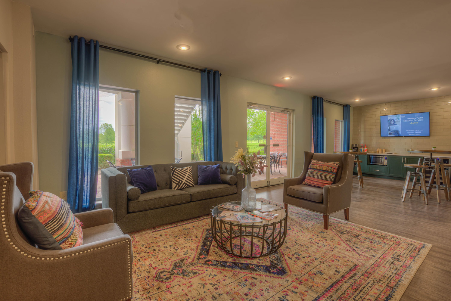 Lounge Area at The Park at Forest Hill Apartments in Memphis, Tennessee