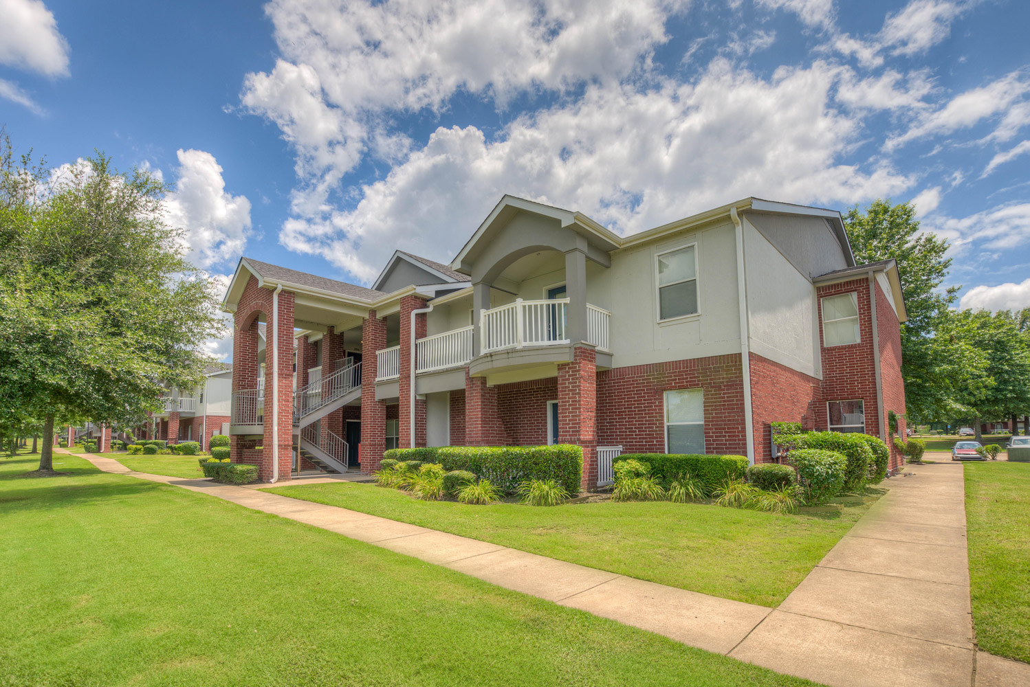 Lush Landscaping at The Park at Forest Hill Apartments in Memphis, Tennessee