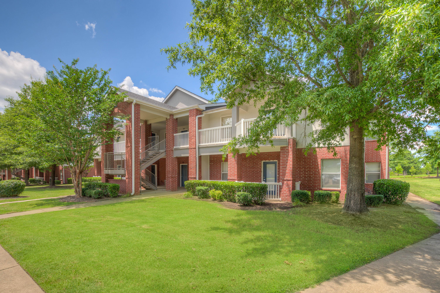 Well-Landscaped and Kept Grounds at The Park at Forest Hill Apartments in Memphis, Tennessee