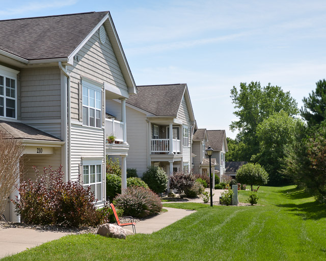 Churchland Apartment Rentals at Parklands of Chili Luxury Apartments in Churchville, New York