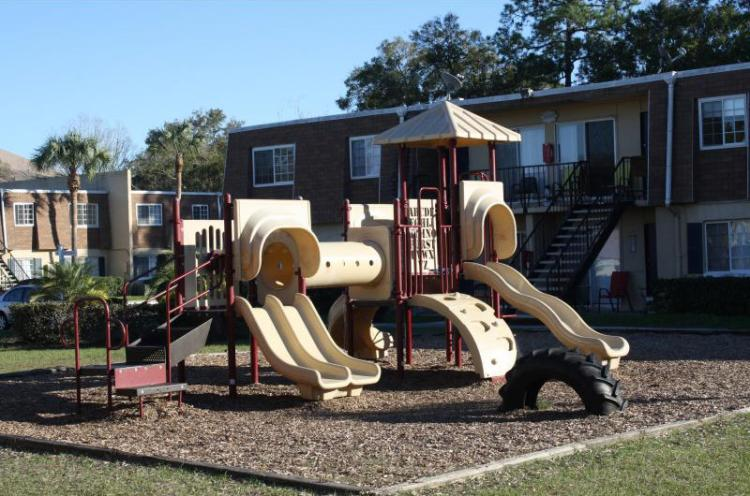 Playground at the Park Pointe Apartments in Tampa Bay, FL