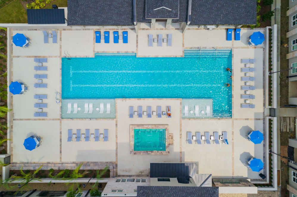 Aerial View of Pool at Park Rowe Village Apartments in Baton Rouge, Louisiana