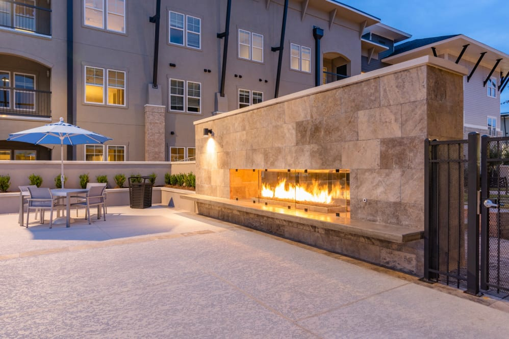 Outdoor Lounge Areas at Park Rowe Village Apartments in Baton Rouge, Louisiana