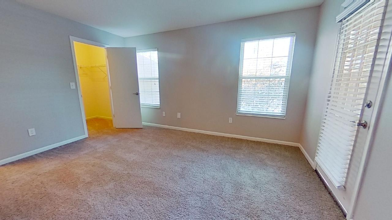 High Ceilings Available at Patterson Place Apartments in Saint Louis, Missouri