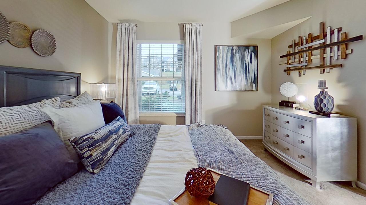 Sunburst Windows at Patterson Place Apartments in Saint Louis, Missouri