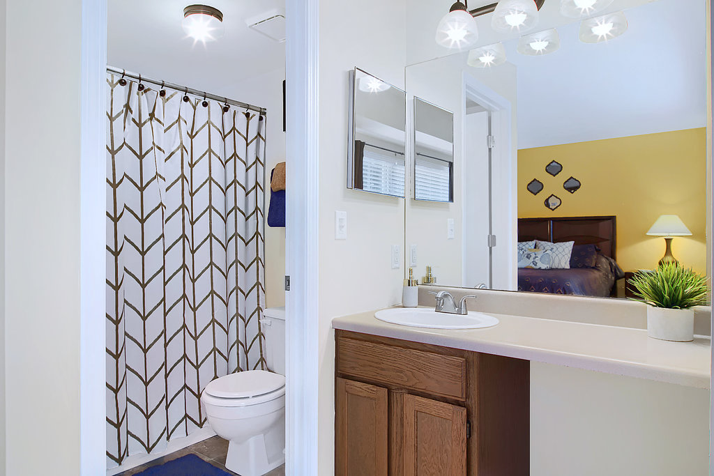 Modern Lighting at Patterson Place Apartments in Saint Louis, Missouri